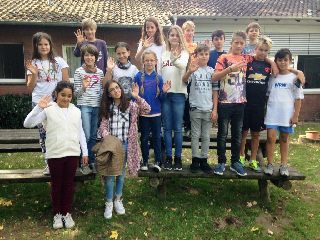 Beim Grünen Ehrenamtstag der Fritz-Winter-Gesamtschule waren nicht nur die Eltern, sondern auch viele Schülerinnen und Schüler mit dabei.
